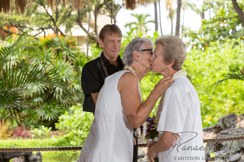031__Hawaii_Destination_Wedding_Photographer_Ranae_Keane_www.EmotionGalleries.com__141018.jpg