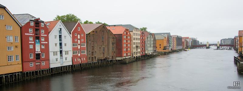 Old buildings along Bryggene wharf