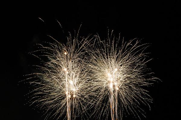 2018 - Dunorlan Park Fireworks 015_