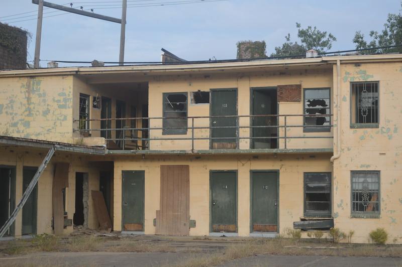 152 Abandoned Motel.jpg