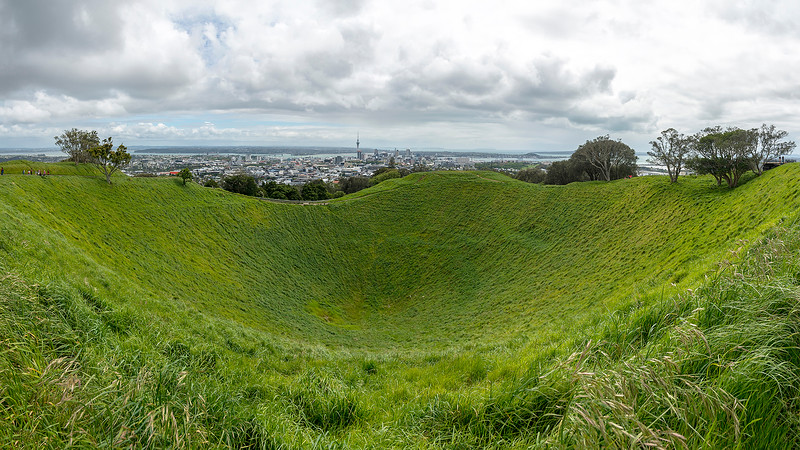 015__Panorama_Mount-Eden_Krater.jpg