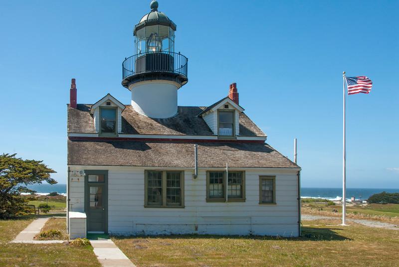 Lighthouse Port Pino-2.jpg