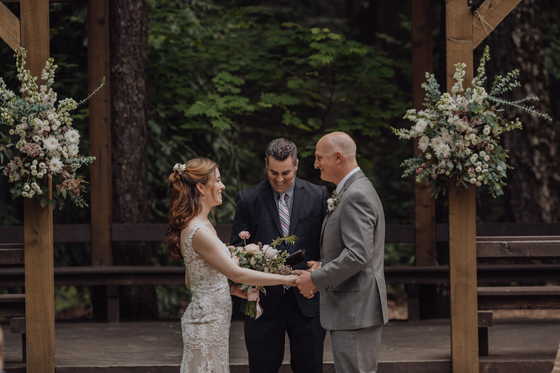 2018-05-12_ROEDER_JulieSeth_Wedding_DUSTIN1_0062.jpg