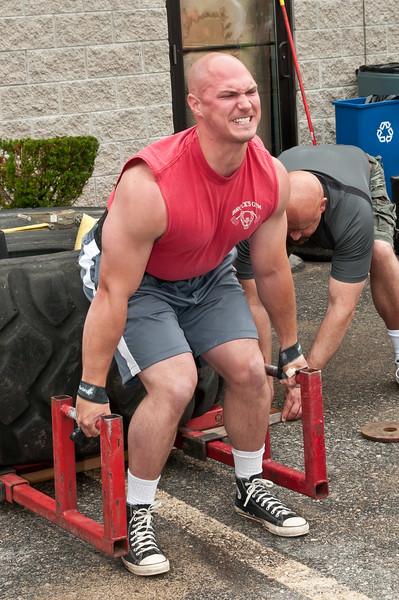 Fitness Revolution Strongman Challenge 2011_ERF3941.jpg