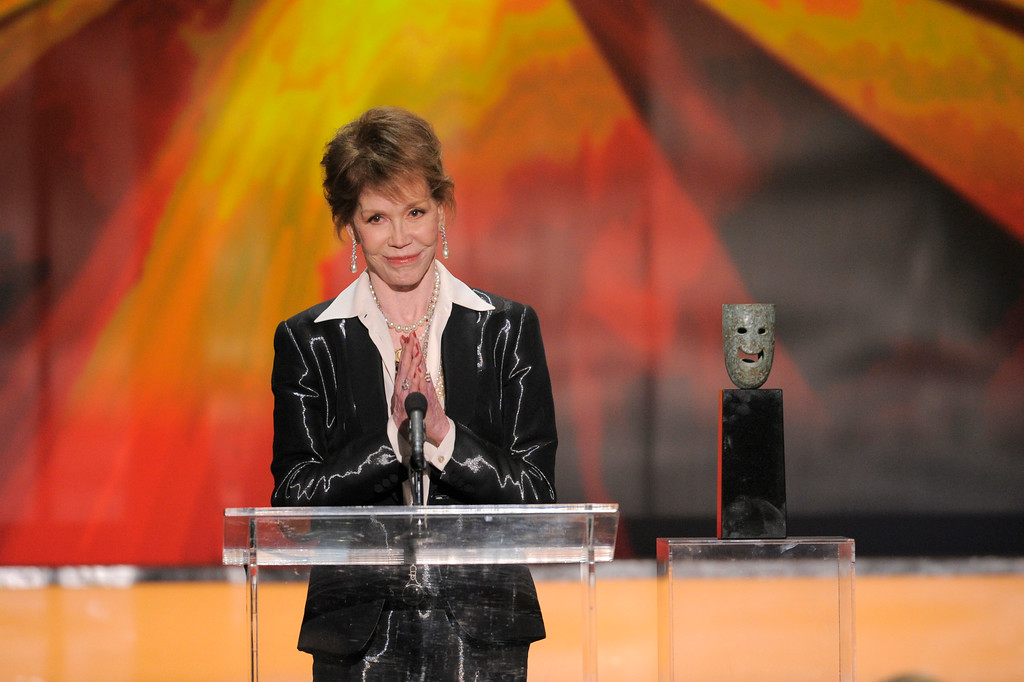 . Mary Tyler Moore accepts the Life Achievement award at the 18th Annual Screen Actors Guild Awards on Sunday Jan. 29, 2012 in Los Angeles. (AP Photo/Mark J. Terrill)