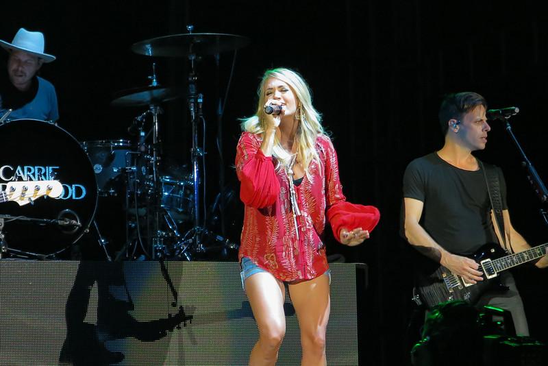 Carrie Underwood-88394.jpg