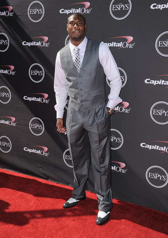 . Baltimore Ravens\' Jacoby Jones arrive at the ESPY Awards on Wednesday, July 17, 2013, at Nokia Theater in Los Angeles. (Photo by Jordan Strauss/Invision/AP)