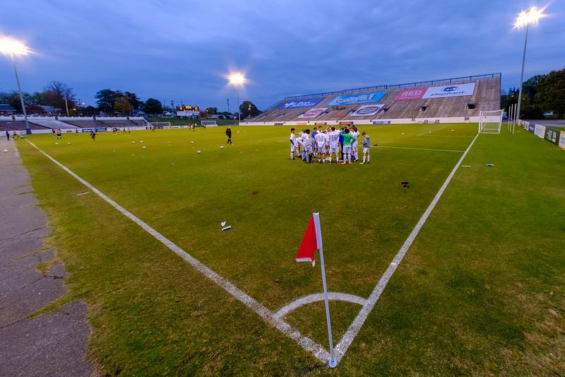TCS Varsity Soccer 2019-4109.jpg