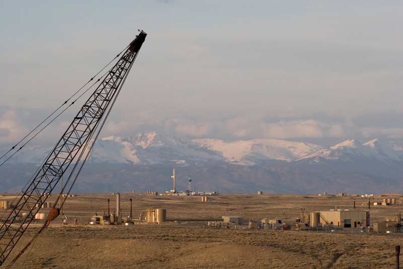 Development in the Jonah Field with Wind River Range south of Pinedale.