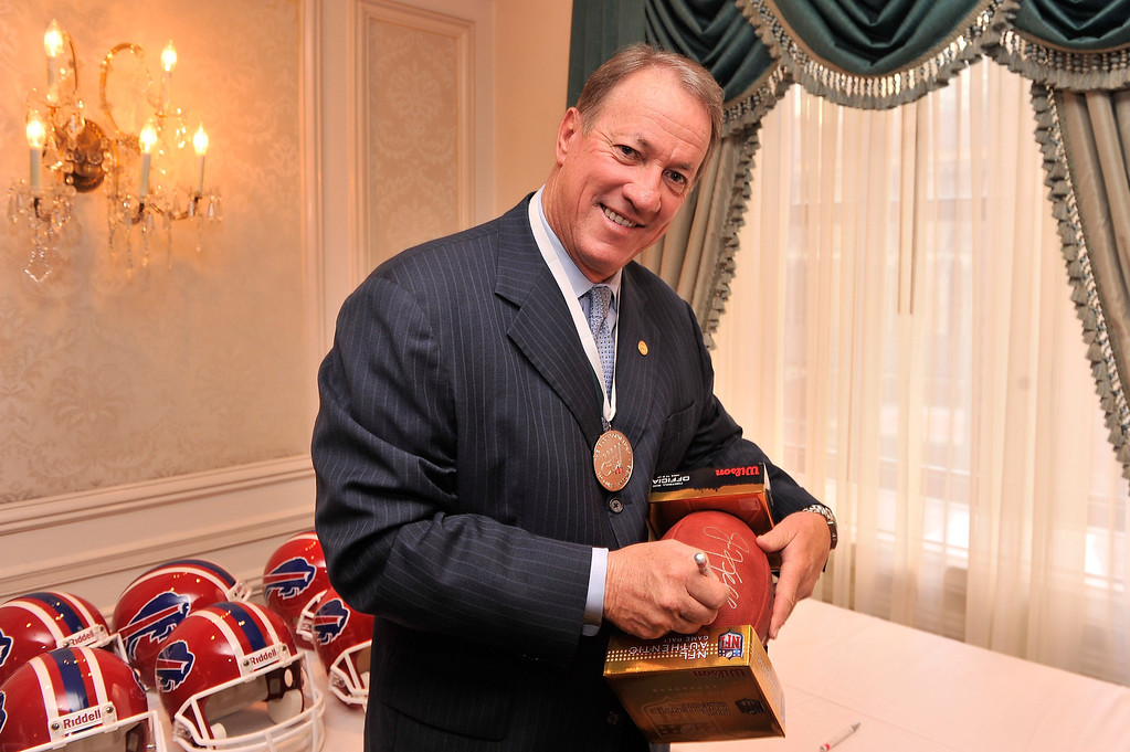 . Honoree and former NFL player Jim Kelly attends the 28th Annual Great Sports Legends Dinner to Benefit The Buoniconti Fund To Cure Paralysis at The Waldorf Astoria on September 30, 2013 in New York City.  (Photo by Stephen Lovekin/Getty Images for The Buoniconti Fund To Cure Paralysis)