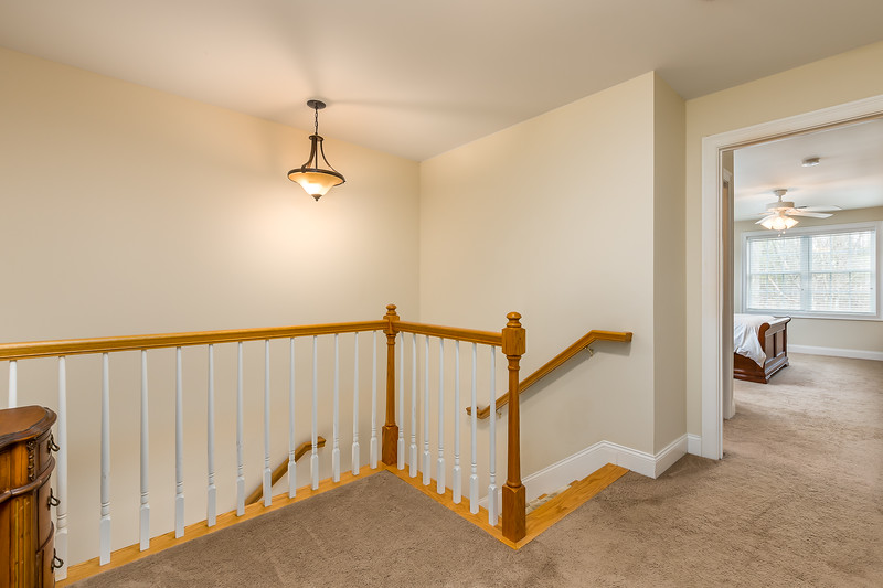 23-Upstairs Hallway.jpg