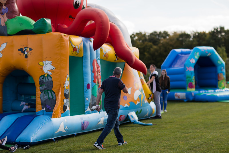 bensavellphotography_lloyds_clinical_homecare_family_fun_day_event_photography (4 of 405).jpg