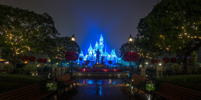 disneyland-castle-snow-walt-mickey-panorama-1.jpg