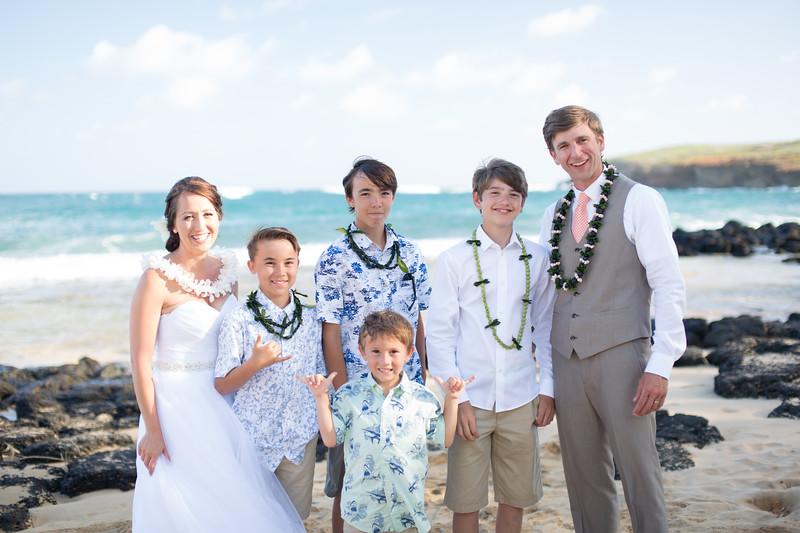 gillin beach kauai wedding-170.jpg