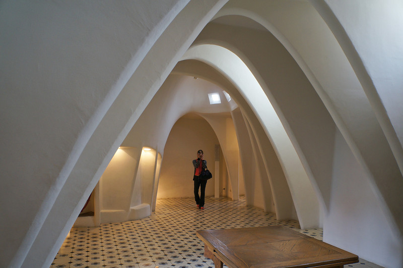 Arched ceiling along the upper floor of Casa Batllo.