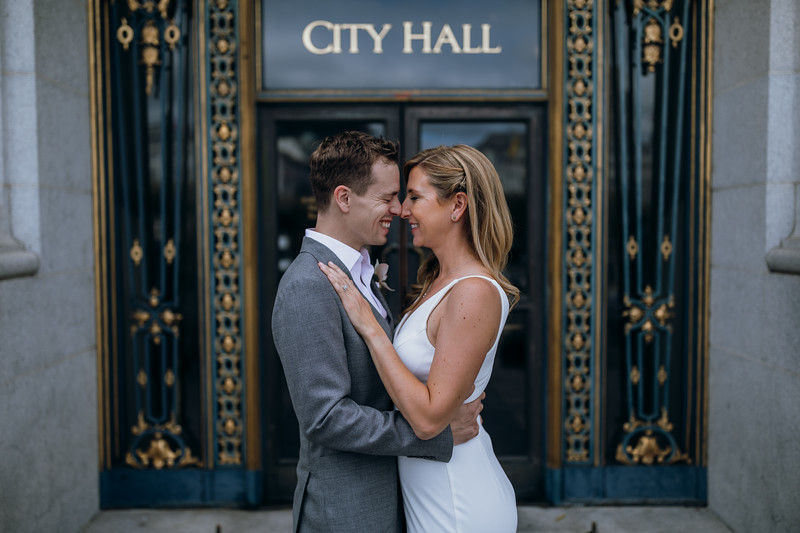 2018-10-04_ROEDER_EdMeredith_SFcityhall_Wedding_CARD1_0258.jpg