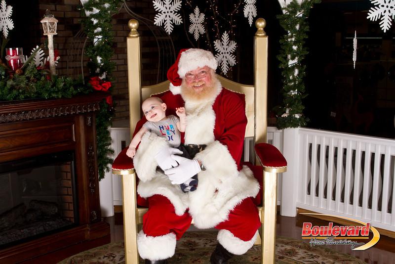Santa Dec 15-181.jpg