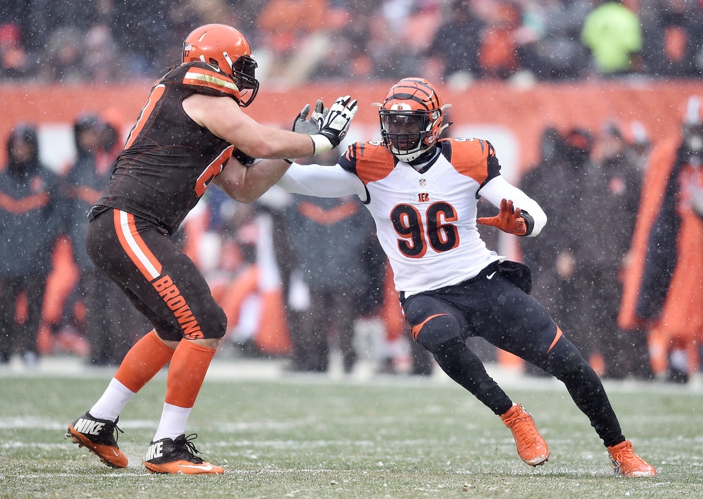 . Cincinnati Bengals defensive end Carlos Dunlap (96) blocks in the first half of an NFL football game against the Cleveland Browns, Sunday, Dec. 11, 2016, in Cleveland. (AP Photo/David Richard)
