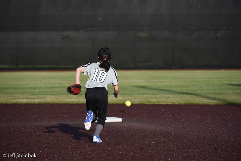 Softball - 2019-05-13 - ELL White Sox vs Sammamish (28 of 61).jpg