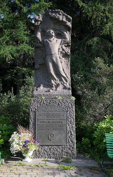 Statue Norge og Eidsvold