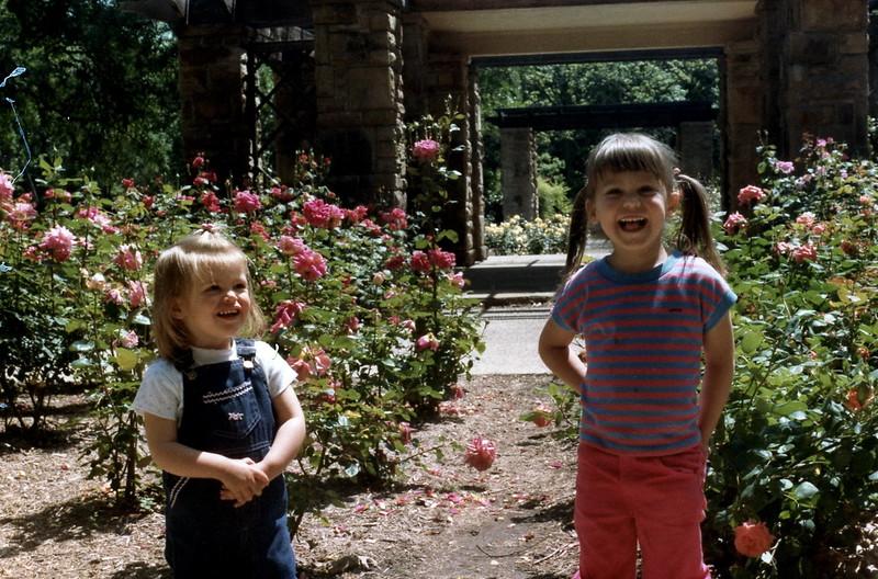121183-ALB-1983-13-047.jpg