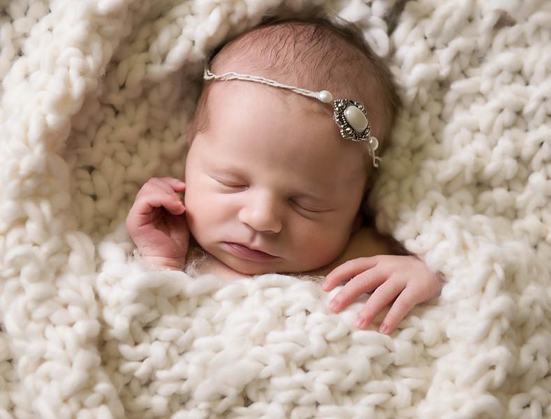 newborn pictures marion cedar rapids iowa 152.jpg