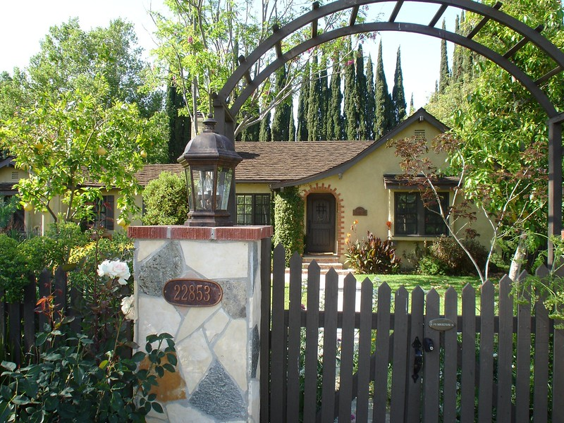 Front-Entrance-Front-House.JPG