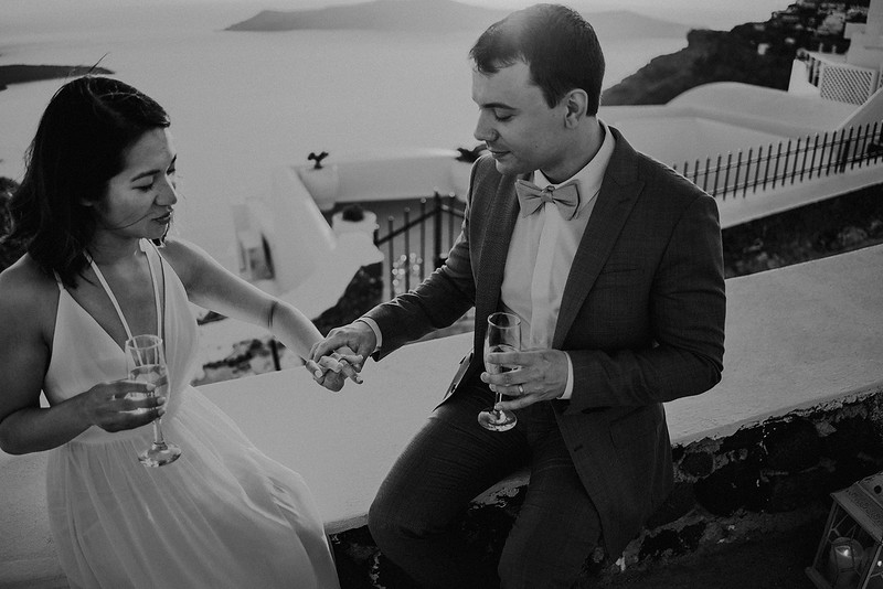 Tu-Nguyen-Destination-Wedding-Photographer-Santorini-Elopement-Alex-Diana-158.jpg