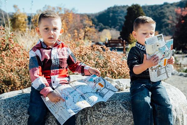 Jacque Family Photoshoot in Oak Glen