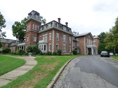 MANSIONS & HISTORIC PROPERTIES