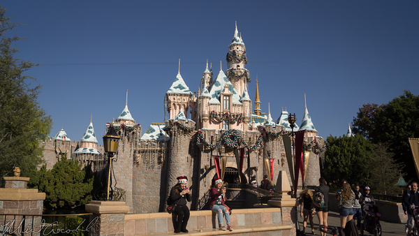Disneyland Resort, Disneyland, Sleeping Beauty Castle, Sleeping Beauty, Fantasyland, Christmas Time, Christmas, Snow