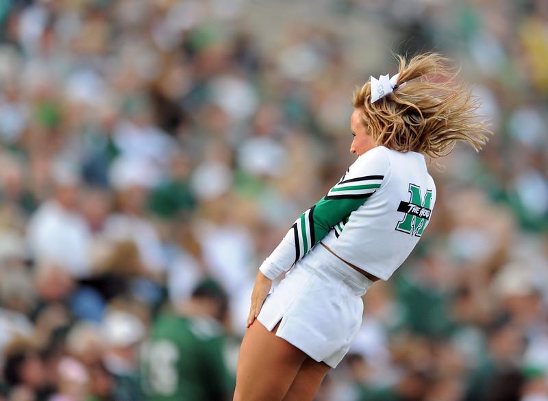 cheerleaders0610.jpg