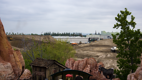 Disneyland Resort, Disneyland, Frontierland, Big, Thunder, Mountain, Railroad, Jamboree, Trail, Ranch, Star, Wars, land, Construction