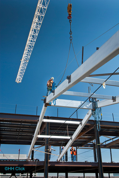 construction progress, SAGE project, atrium roof beam installation