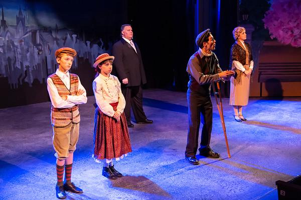 Mary Poppins Act 1