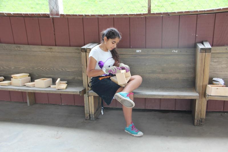 kars4kids_thezone_camp_GirlDivsion_workshops_WoodWorking (47).JPG