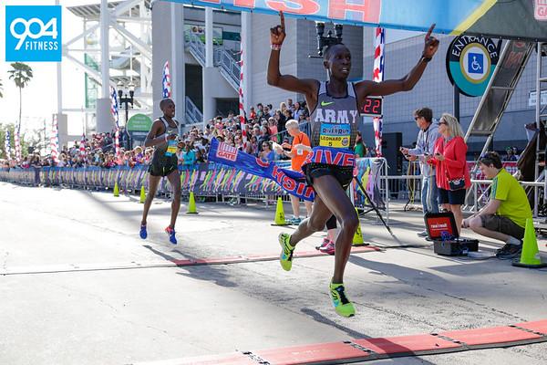 Gate River Run Finish 1s
