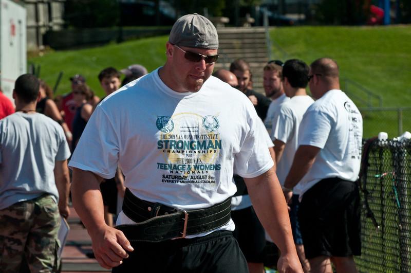Strongman2009_Competition_DSC0947-1.jpg