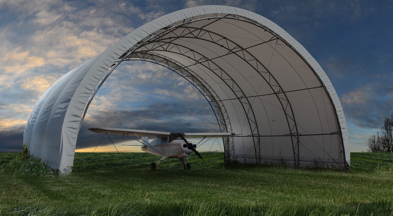 hangar-avion2.jpg