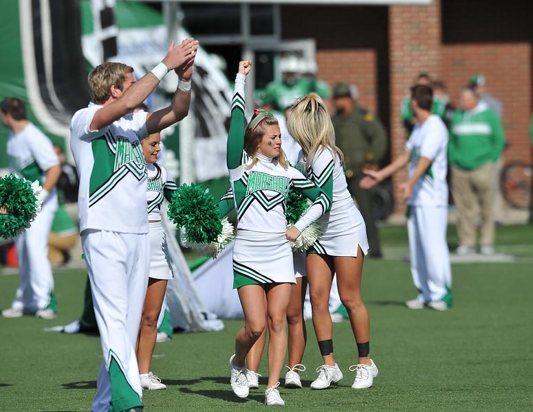 cheerleaders4446.jpg