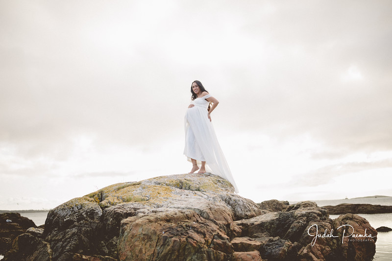 Kiran's Maternity Shoot - Cattle Point, Victoria BC. -37.jpg