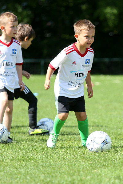 hsv_fussballschule-031_48047948101_o.jpg