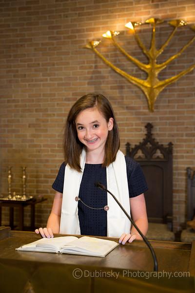 julia-sager-bat-mitzvah-3735-09-03-15.jpg