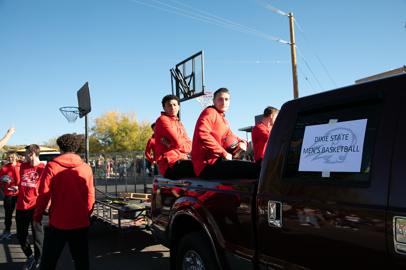 HOMECOMING PARADE 2019-1483.jpg