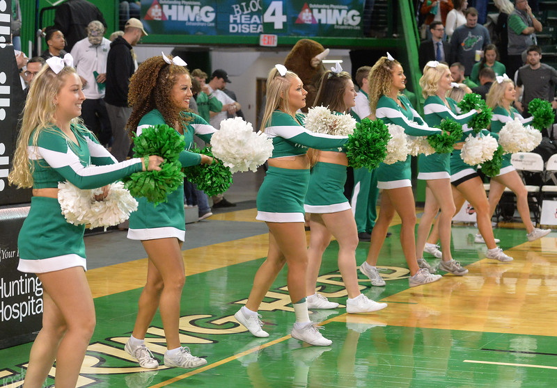 cheerleaders1772.jpg
