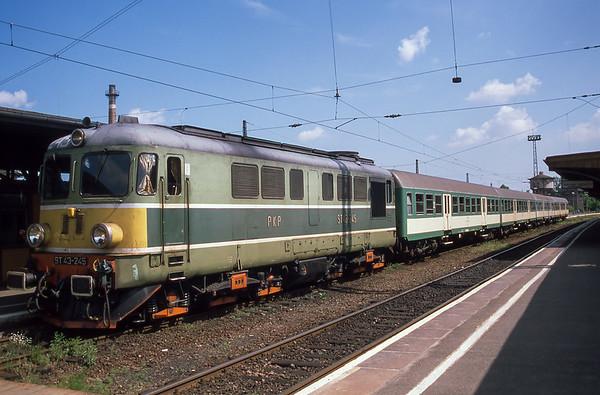 Pole Rail Pass - May 1998
