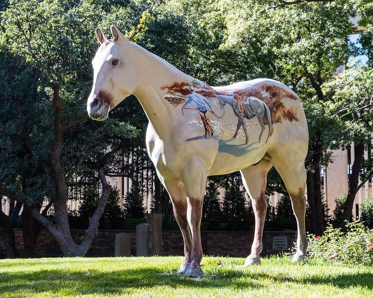 Painted pony statue in Amarillo, Texas.
