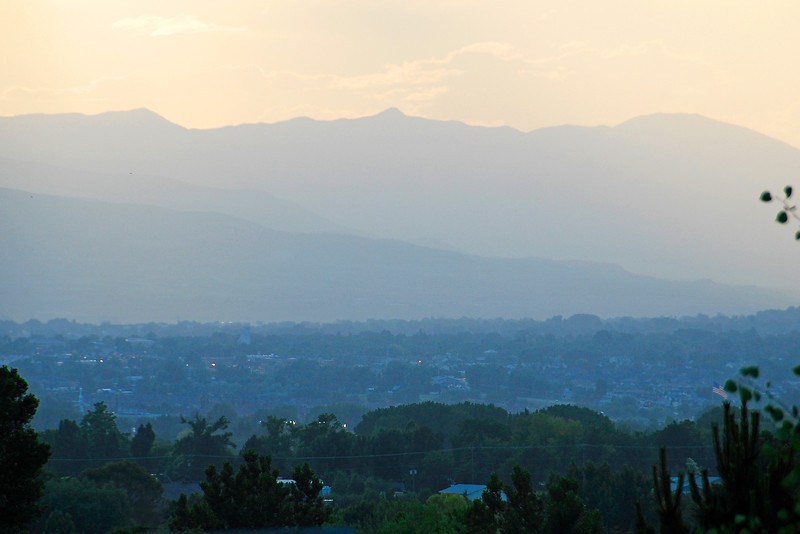 2011/6/29 – This is a repeat shot from my home overlooking the valley. The setting sun and clouds can dramatically change how this view appears. See the image shot on 6/23 to compare the difference.