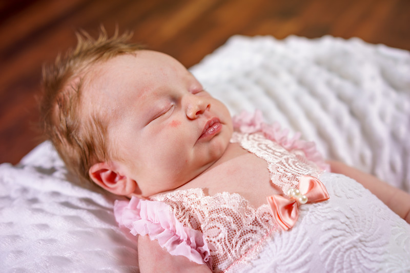 Penelope_Claire_Holmes_11_Days_Old_July_8_2017-4992.jpg