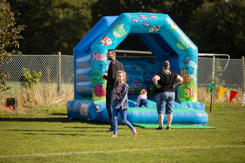 bensavellphotography_lloyds_clinical_homecare_family_fun_day_event_photography (212 of 405).jpg